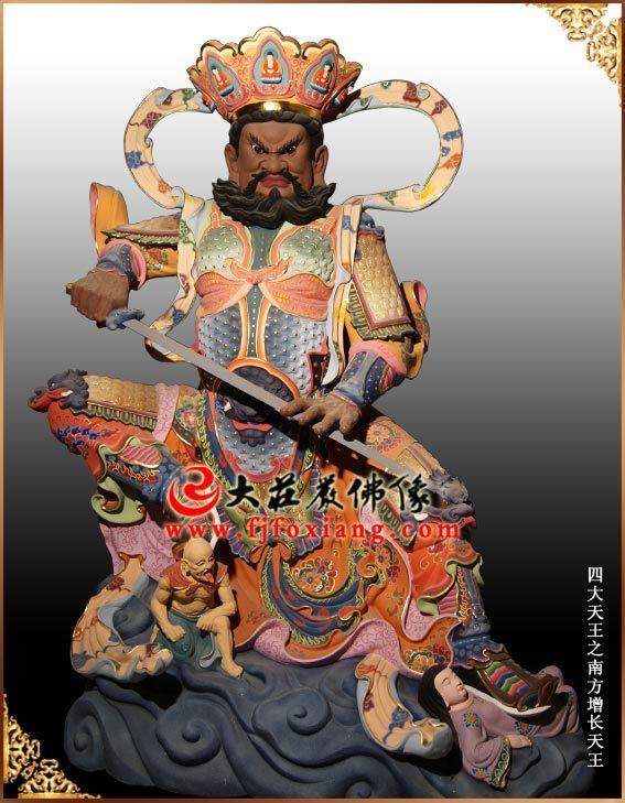 2011年10月哈尔滨3.3米铜雕彩绘四大天王像